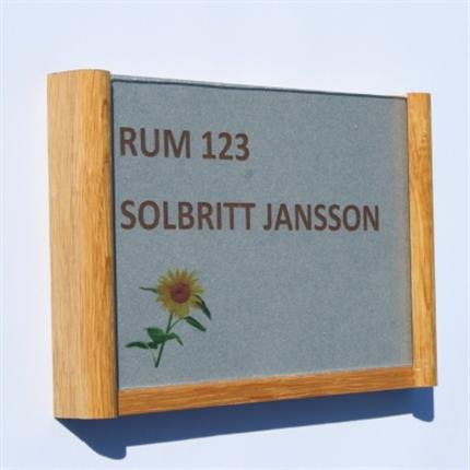 Swedsign Woodline skyltsystem i trä