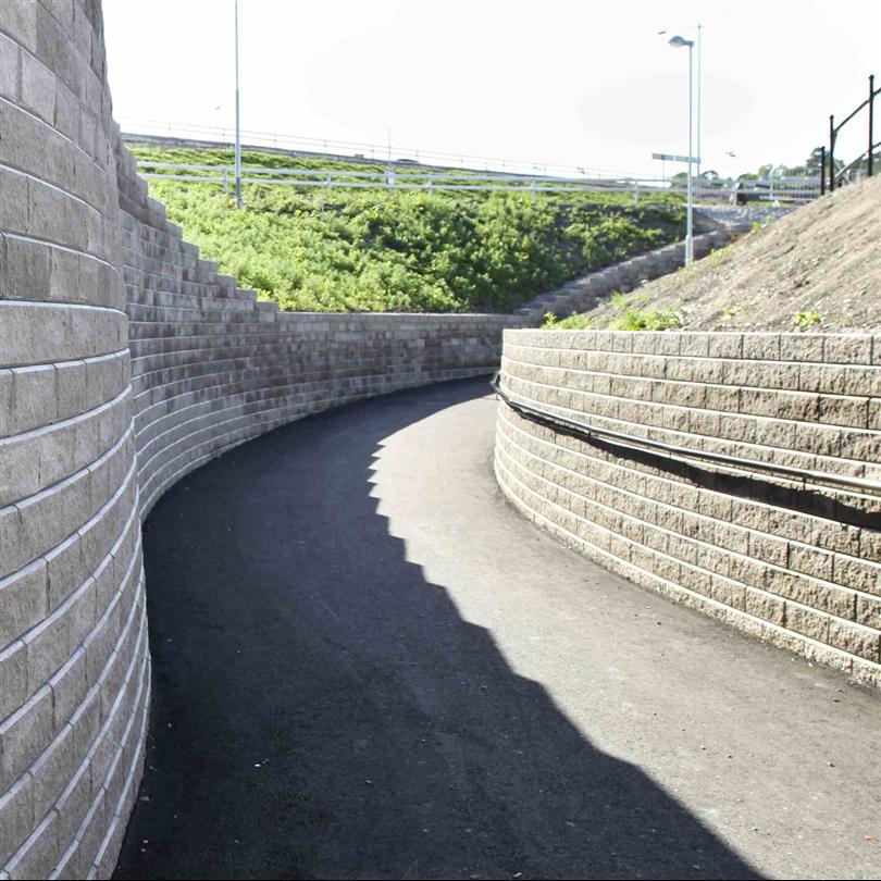 Rund stödmur