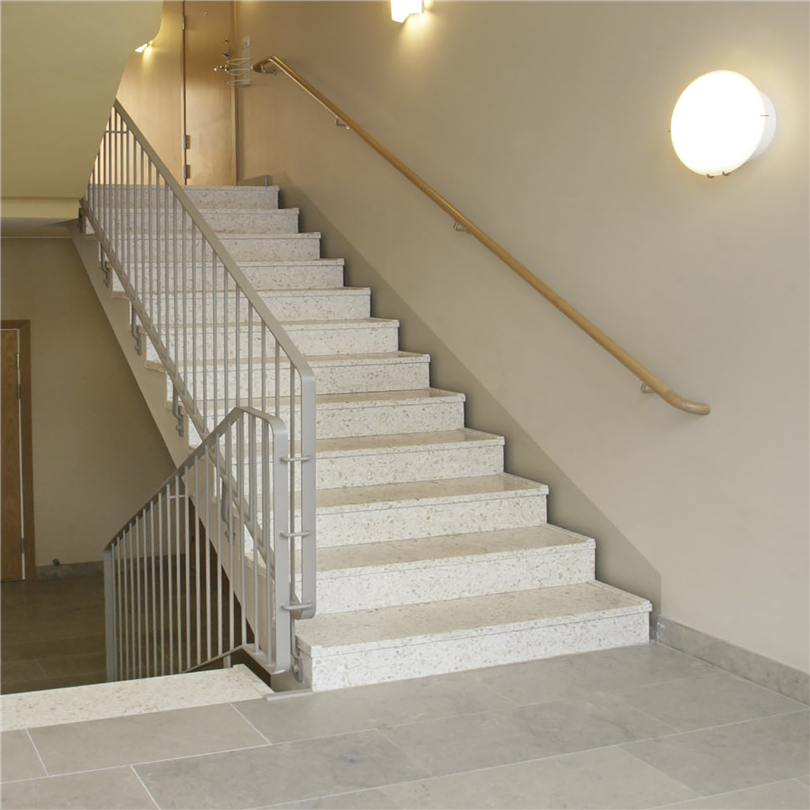Rak betongtrappa