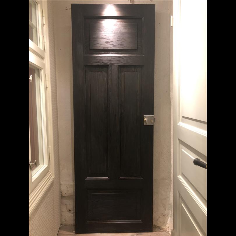 Innerdörrar, svartbetsad spegeldörr