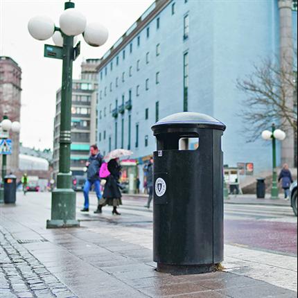 City papperskorgar och askkoppar