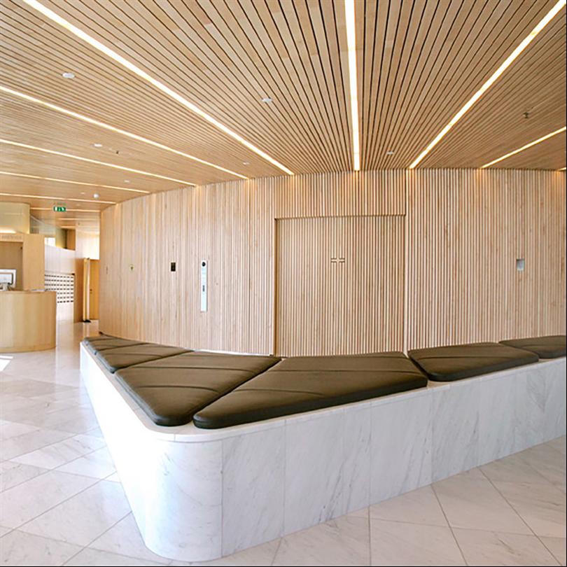 Woodsafe Exterior WFX brandskyddsimpregnerade träpaneler inomhus, Waterfront Stockholm