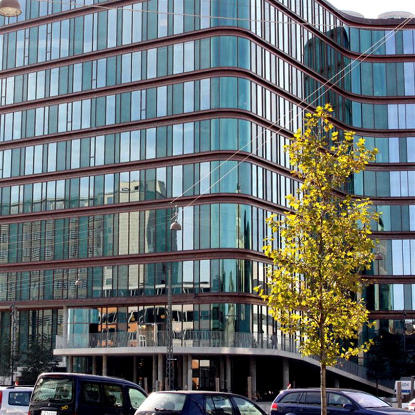 Fasta kopparklädda furufönster, SEB kontor, Köpenhamn