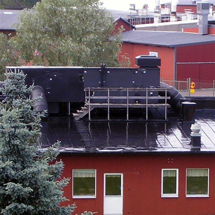 Temclad SC 50 polyuretanfärg på Säterskolans tak