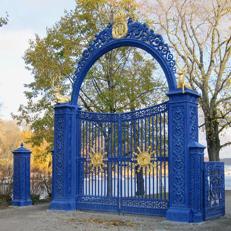 Blå porten Djurgården, Linoljefärg ovan Isotrol rostskyddsystem