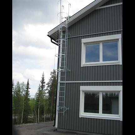 Per Wikstrand fasadstege med skyddskorg