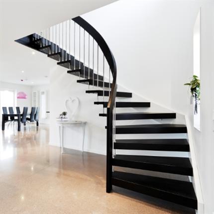 ATAB trätrappor, L-Trappa Design WF i svartlaserad ek med helsvängd handledare