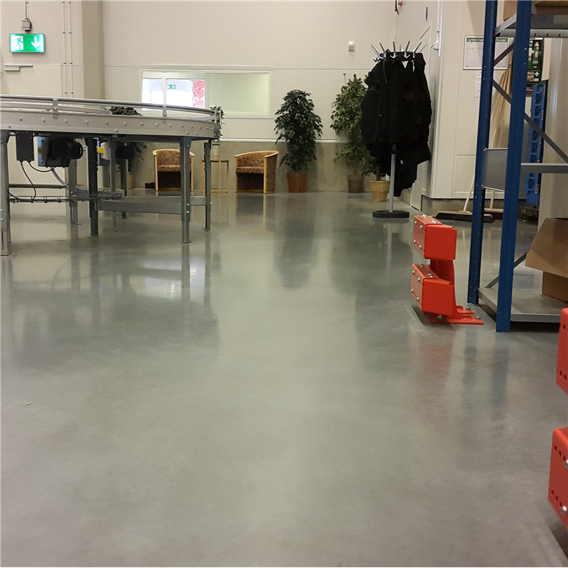 Fläckskyddsbehandling för behandlade betongytor