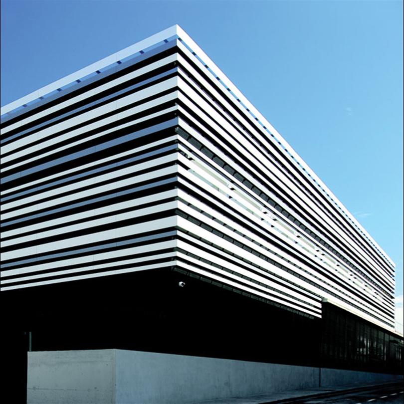 Formica VIVIX fasadskivor, Largila, Sport Centre, Spanien