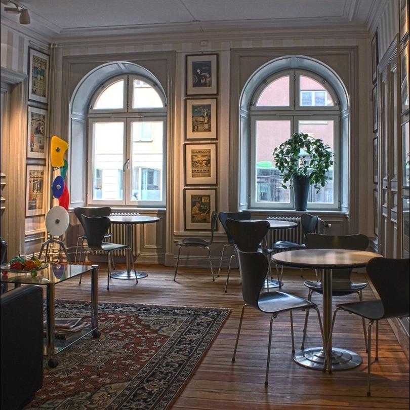 SSC fönster, Rosa Huset, Uppsala