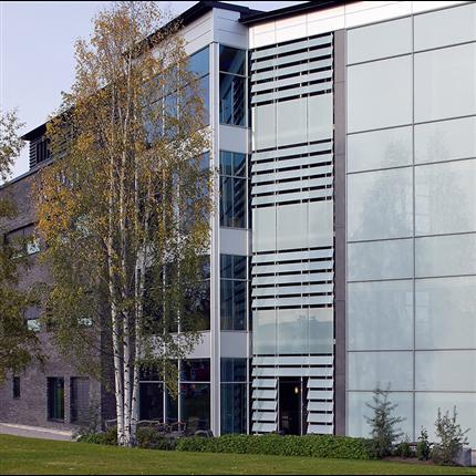 GlasLindberg GL 1074 aluminiumfönster, inåtgående