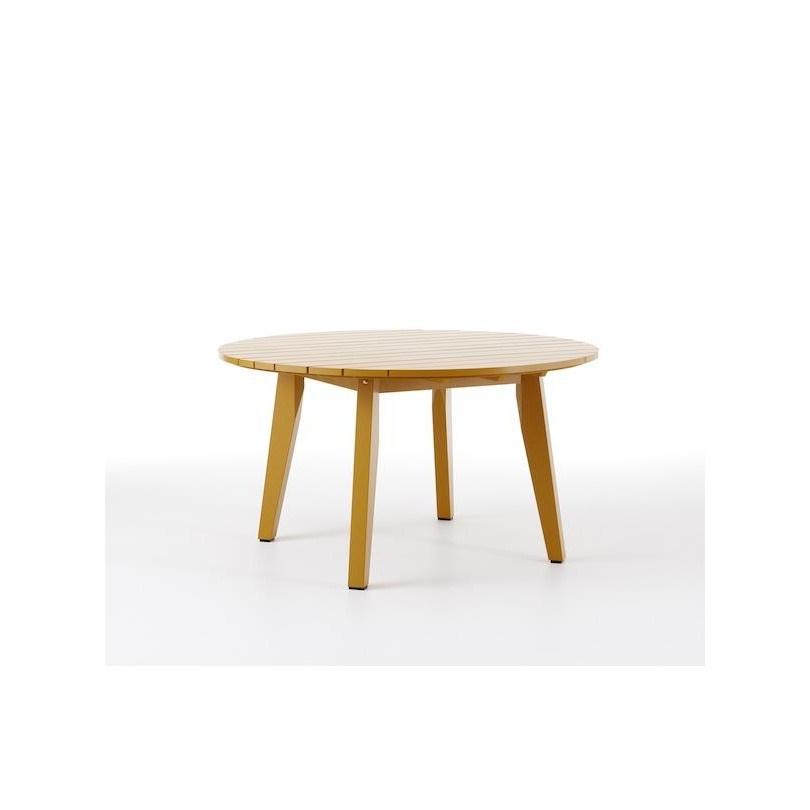 Hjorthagen bord, täcklaserad furu gul, runt. Produktdesign Peter Brandt
