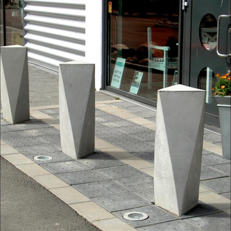 Nola Ackord betongpollare