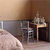 DECO Tierrafino T-paint på vägg i sovrum