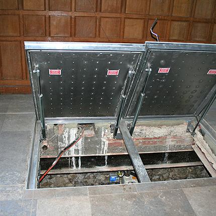 Elkington HSE75 tvådelad inspektionslucka
