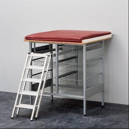 Budget, Skötbord med 5 st trådkorgar, trappa och madrass