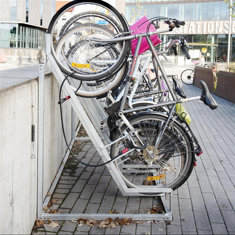 Kompakt cykelställ, semivertikal vinkel