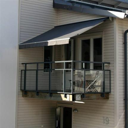 Liten terrassmarkis för den lilla terrassen, hög kvalitet och lång hållbarhet