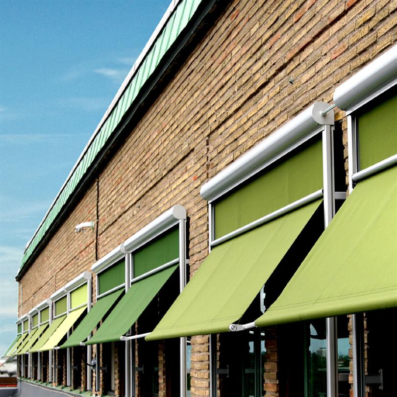 Stabil markisolette för byggnader med höga fönster