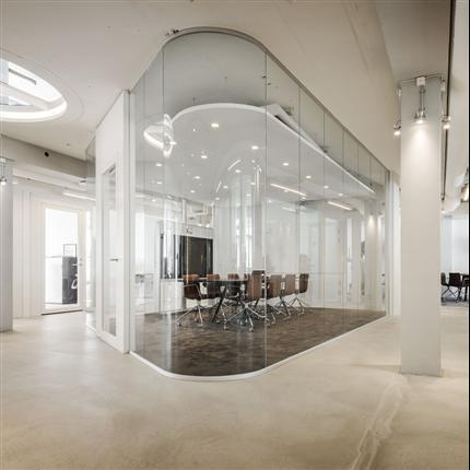 Glasvägg, maximala glasytor, aluminumprofil, känsla av öppenhet