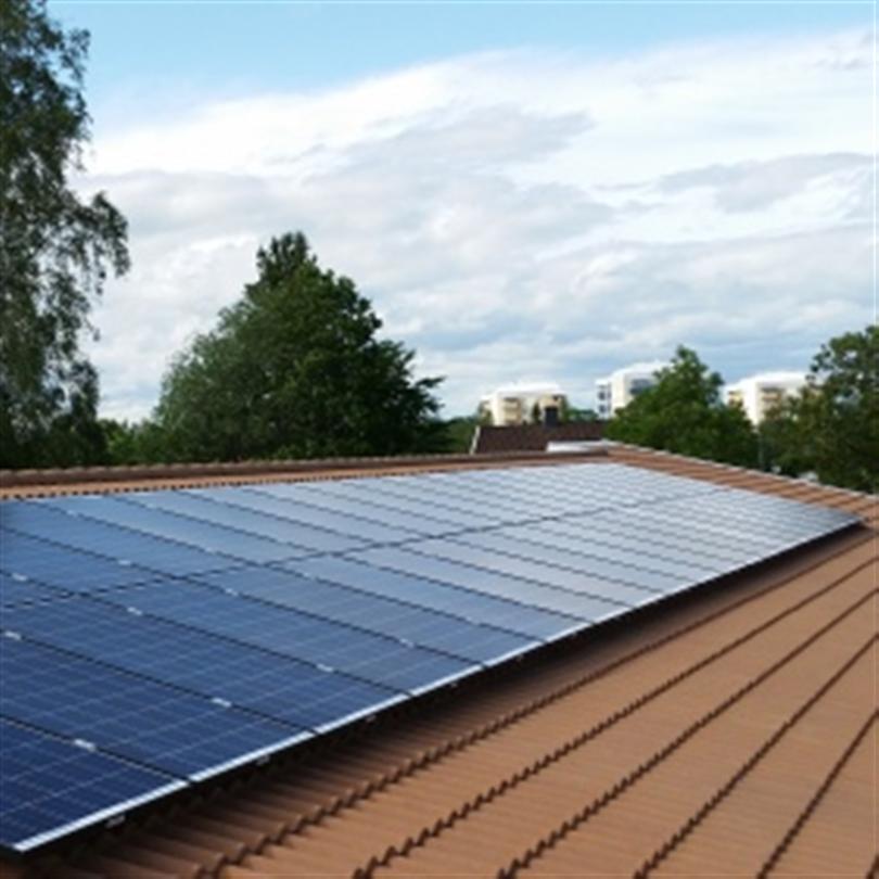 Deson Solel och solceller på tak