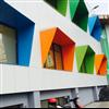 Rockpanel Ply grundmålade fasadskivor här slutmålade i olika kulörer