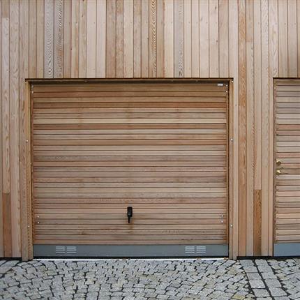 Dörr & Portbolaget Kompakt Garageport ljus