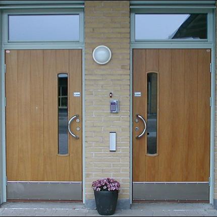Dörr & Portbolaget entrédörrar, oisolerade