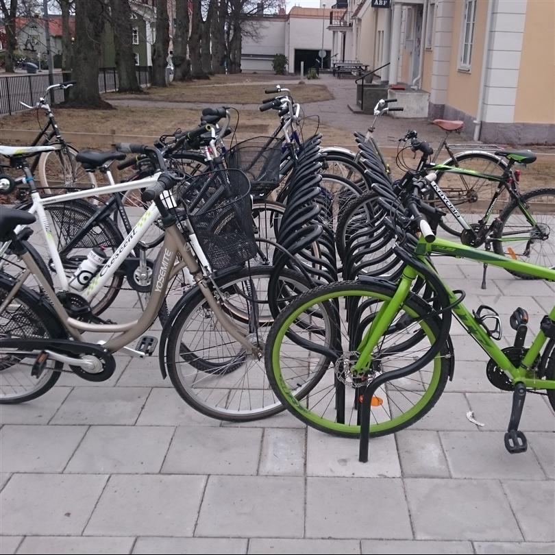 Team Tejbrant Cykelställ Arc svart, Västervik