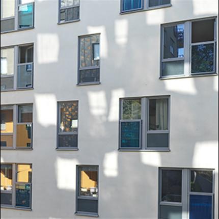 Weland fönsterdörräcken av glas