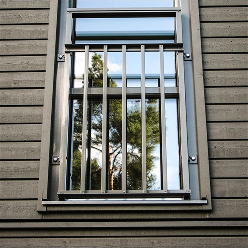 Fönsterdörr, franskbalkong, spröjs