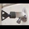 Trio Perfekta Vattenutkastare med nyckel på husvägg