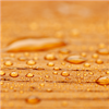 Träolja V Premium ger en vattenavvisande yta