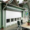 Fönsterjalusier inbyggda i fasad