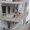 Alnova Adapt balkongräcke med klarglas