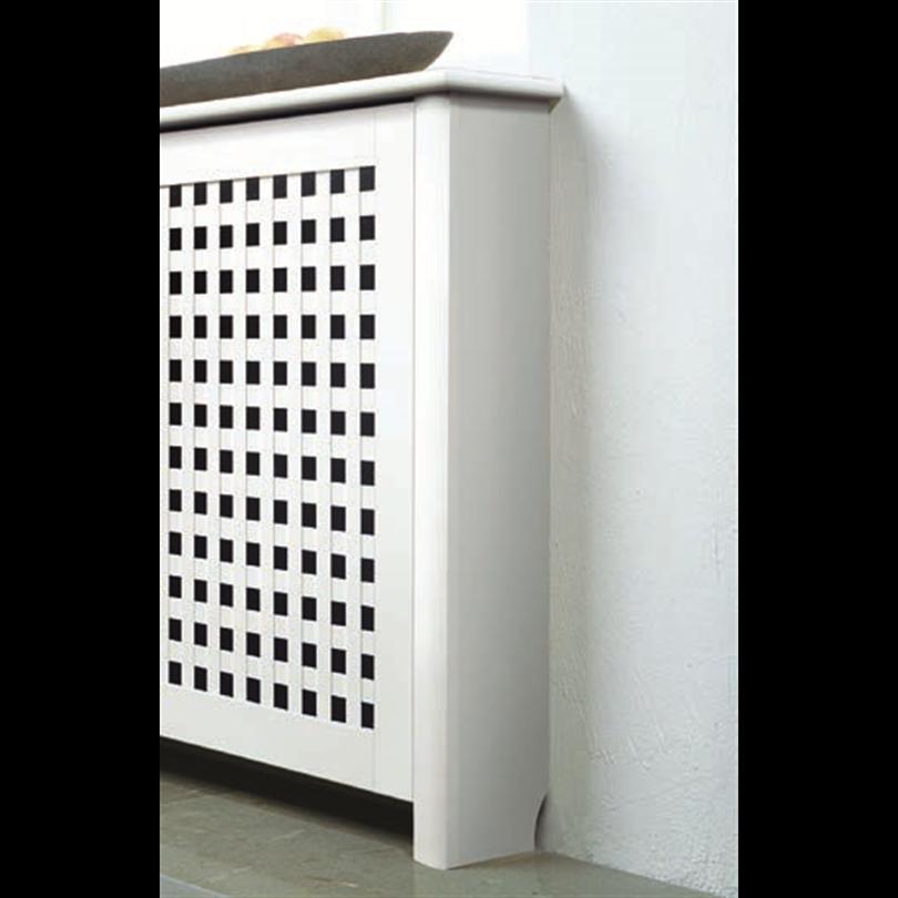 Duri elementskydd Lycke, gavelpar mot vägg