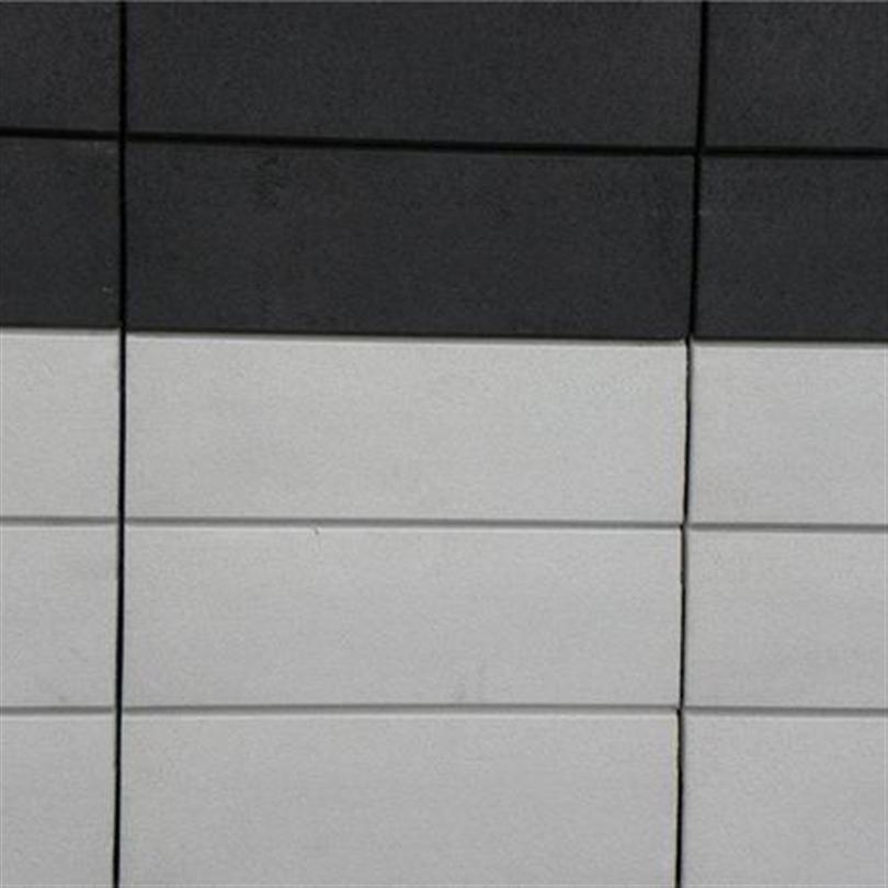 Slät yta med linjerade vertikalfogar