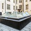 Scanlight Glaspyramider, innergård på Jungfrugatan, Stockholm