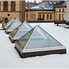 Isolerande glaspyramider i norrköping, generöst ljusinsläpp, laminerat energiglas