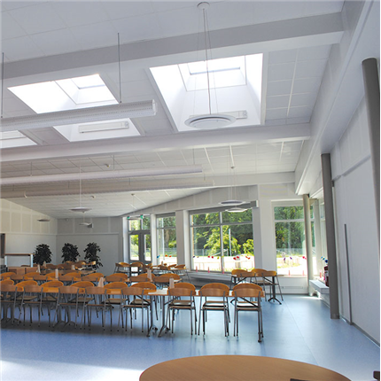 takljuskupol för dagsljusinsläpp, isolerad med sarg