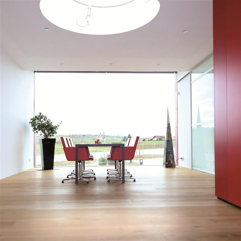 Runda takfönster med plastram, täta, isolerande och ljudreducerande glas, dagsljus
