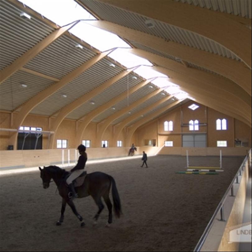 Lindborg sporthallar/ridhallar med limträstomme