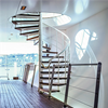 Monteringsfärdiga spiraltrappor, för inomhusmiljöer, vitlackerad med eksteg