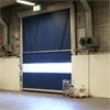 Snabbrullport för större öppningar, stryktålig industriport av plast, utbalenseringssystem som gör porten viktlös