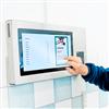 Axema VAKA informations- och bokningssystem med pekskärm
