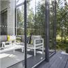 Terrassinglasning med slidglidande glasväggar
