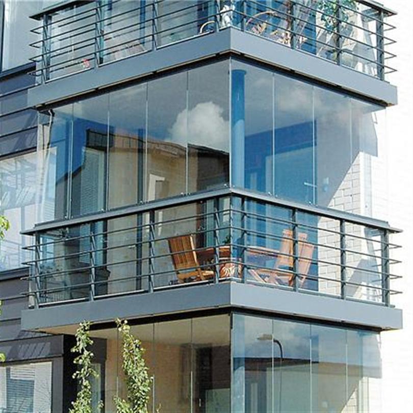 Balkongräcken av aluminium