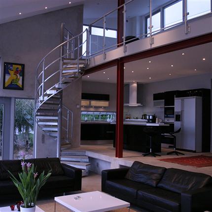 Spiraltrappa för villa, kontor och inomhusmiljö