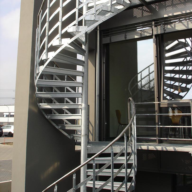 Spiraltrappa för utrymning och industri