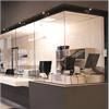 H80RG är mest lämpad för receptioner/mottagningar inomhus där man vill undvika störande glaslister. Skjutluckan är estetiskt tilltalande med stor hänsyn tagen till det visuella intrycket av receptionen eller mottagningen.